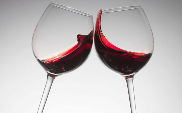 Cheers !: Red wine reduces the risk of heart disease ...